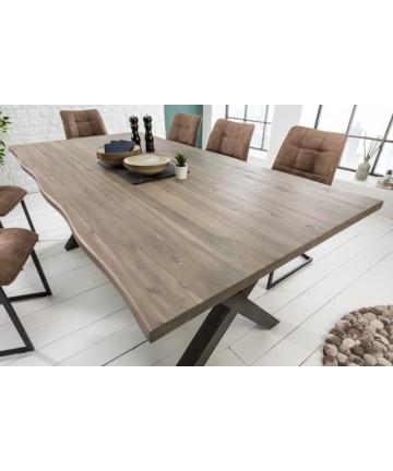 Stół z litego drewna w szarym kolorze
