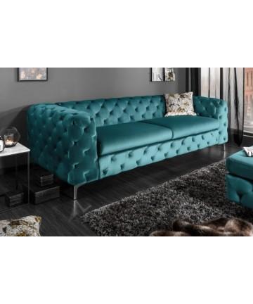 Duża sofa w stylu Chesterfield