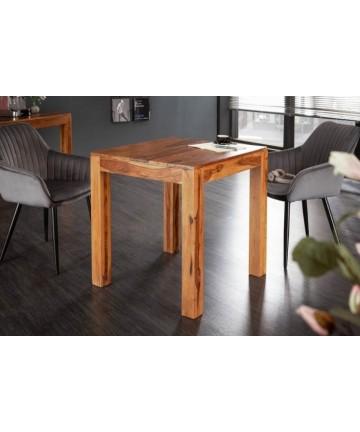 Mały drewniany stół kuchenny