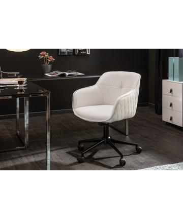 Skórzany fotel biurowy z podłokietnikami